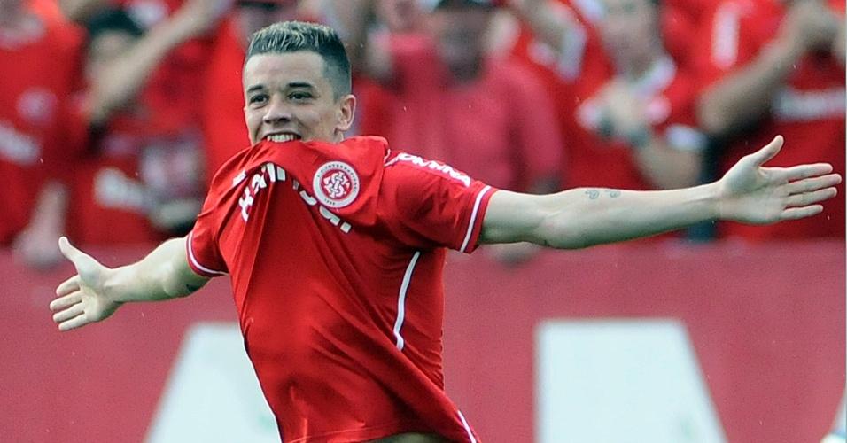 D'Alessandro comemora gol marcado em cima do Vasco (09/10/11)