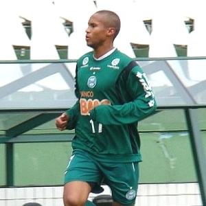 Lateral-direito Jonas voltou a treinar, após um mês, e pode começar o jogo com o Botafogo