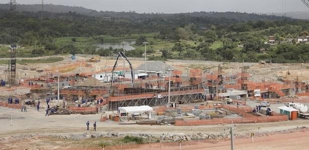 Estado das obras da Arena Pernambuco em outubro de 2011