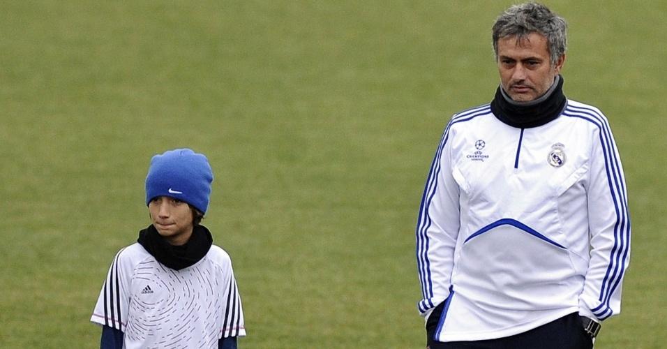 Filho de José Mourinho sofreu com insultos durante partida de futebol