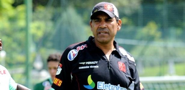 Acácio comanda treino do Vasco durante pré-temporada de 2011 - Site oficial do Vasco