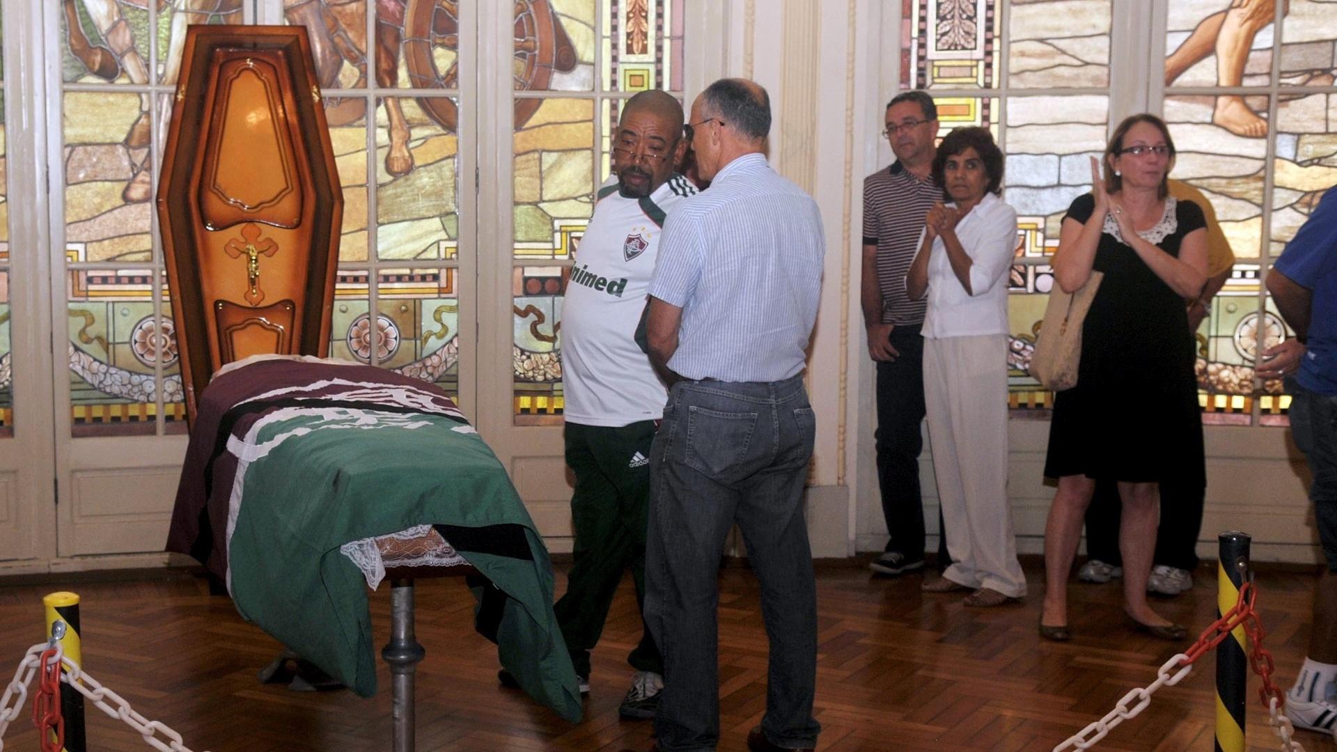 Velório do ex-atacante do Fluminense Ézio, no Salão Nobre das Laranjeiras