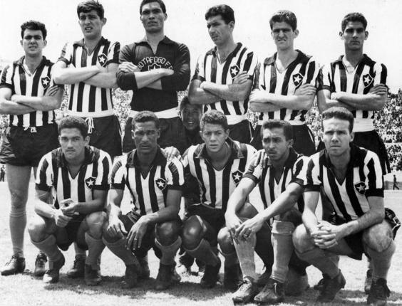Amarildo (centro) em linha de frente do Botafogo: Garrincha, Didi, Quarentinha e Zagallo