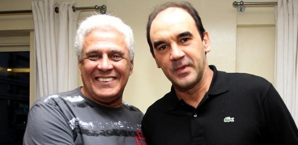 Ricardo Gomes foi recepcionado pelo presidente Roberto Dinamite na concentração do Vasco