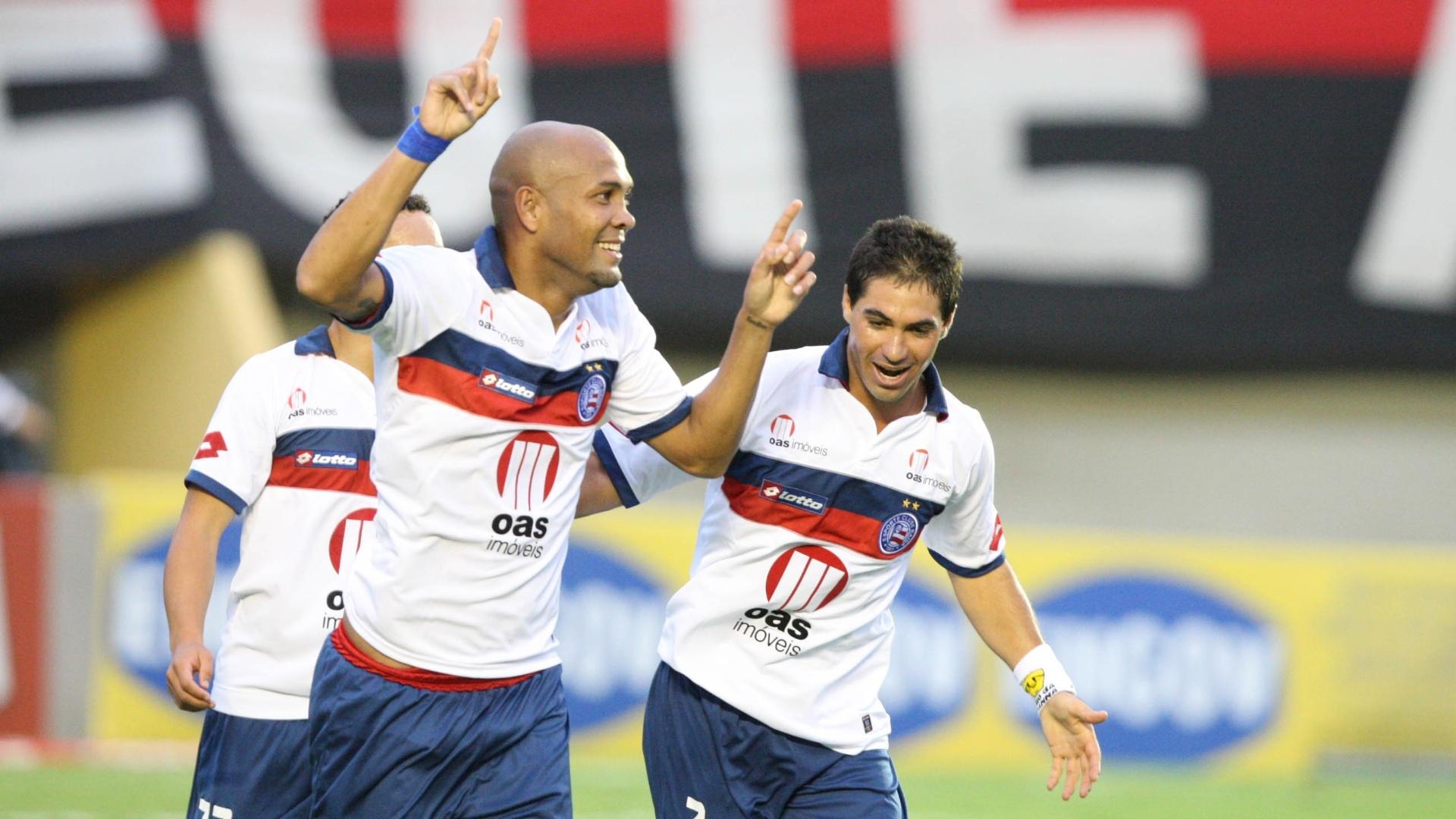 Souza comemora gol da vitória do Bahia contra o Atlético-GO