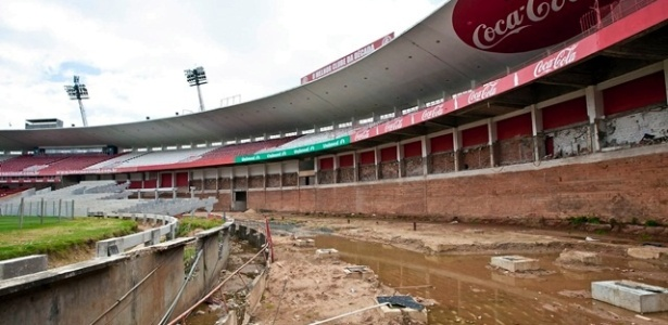 Secretário João Bosco Vaz reclamou de atraso nas obras do estádio do Internacional