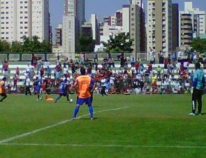 5580ff9ff8 Os jogadores do Flamengo treinam em Goiânia com grande presença da torcida  no Serrinha