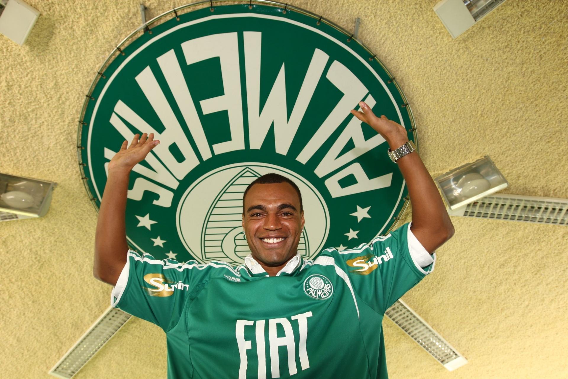Denílson lembra portas fechadas no SP em 2007 e acerto com o Palmeiras -  Esporte - BOL 848843c6e18e4