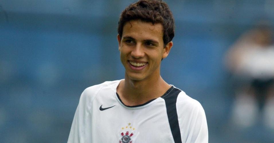 Nilmar durante treino do Corinthians em 2006
