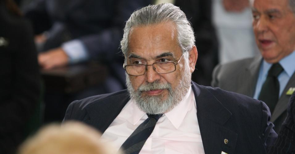 Eurico Miranda comparece à cerimônia de posse do ministro Aldo Rabelo
