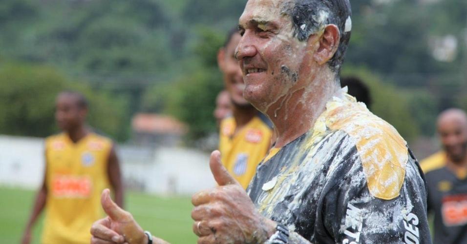 Muricy Ramalho levou ovada em comemoração ao aniversário de 56 anos (30/11/2011)