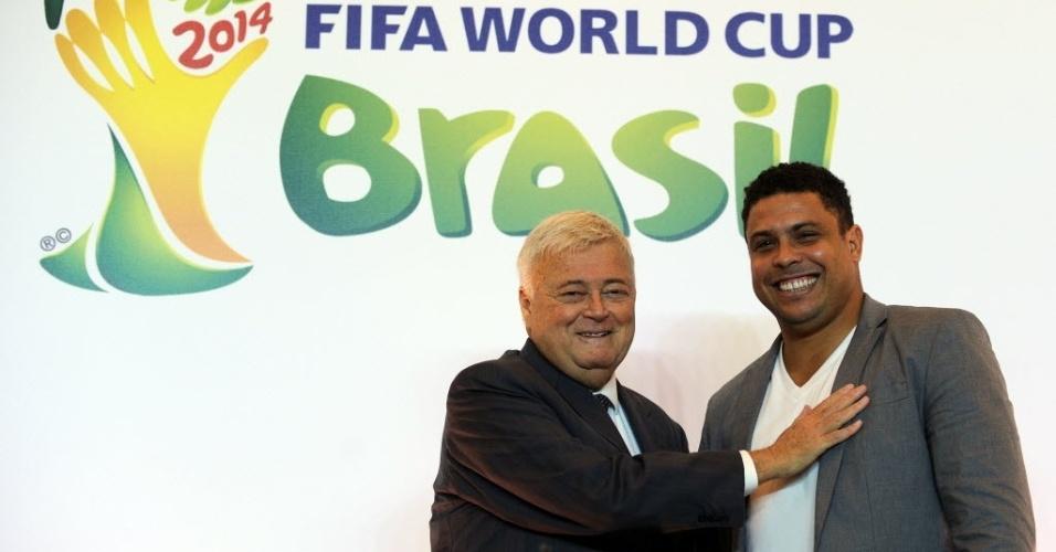Com Ricardo Teixeira, Ronaldo se torna membro do Comitê Organizador da Copa
