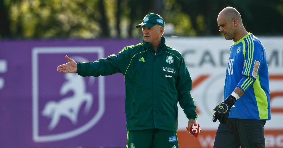 Felipão orienta Marcos durante treino do Palmeiras (02/09/2011)