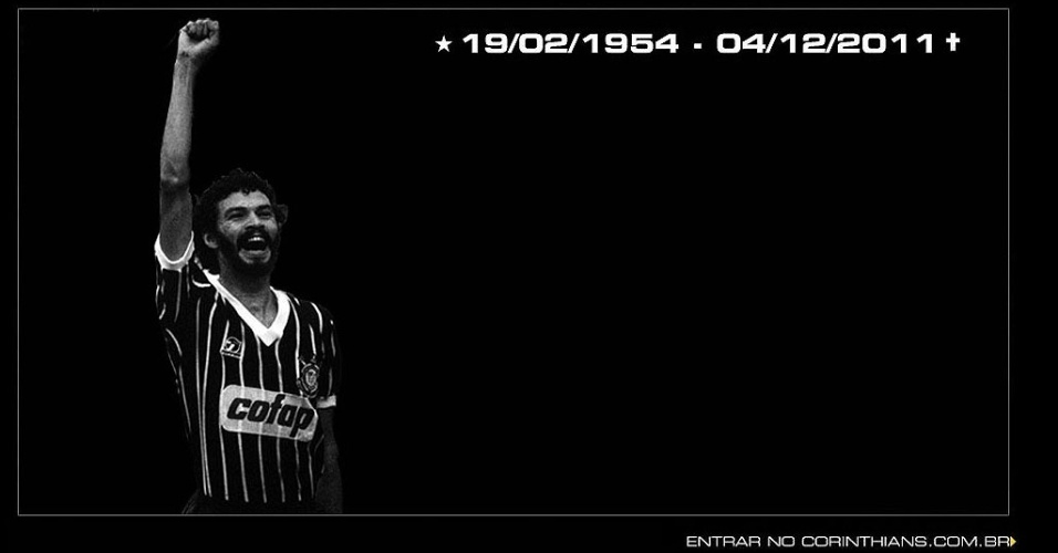Capa do site do Corinthians faz homenagem ao ex-jogador Sócrates, morto no dia 04/12/2011 vítima de uma infecção generalizada