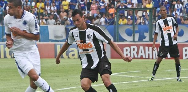 W. paulista e Réver durante a goleada do Cruzeiro sobre o Atlético-MG, por 6 a 1  - Bruno Cantini/Site do Atlético-MG