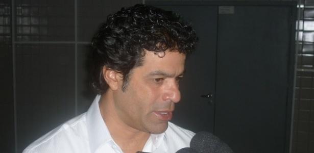Raí concede entrevista durante evento da Fundação Gol de Letra, no Engenhão