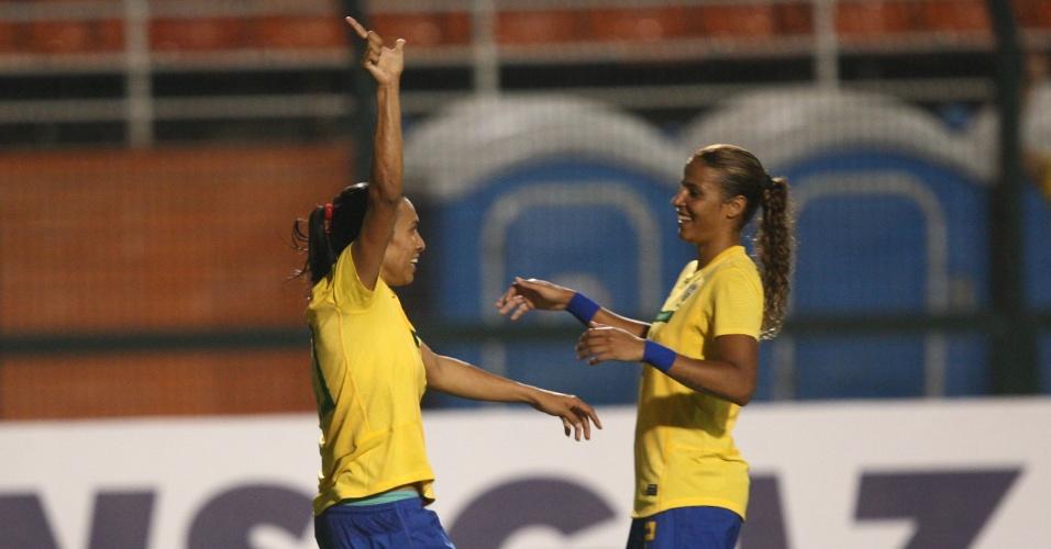 Marta marcou um na goleada por 5 a 1 do Brasil contra a Itália