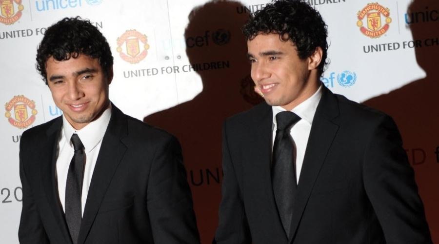 Irmãos Fábio e Rafael, do Manchester United, comparecem a jantar do Unicef promovido pelo clube em Manchester (12/12/2011)
