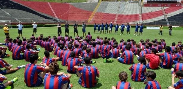 Vitória e Barcelona se unem em projeto para caçar novos talentos