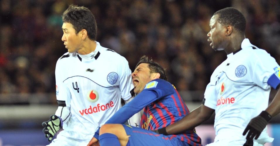 David Villa fratura a tíbia em disputa de bola contra jogadores do Al-Sadd na semifinal do Mundial de Clubes