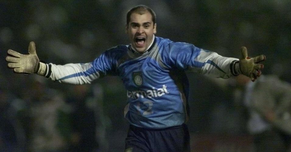Marcos, celebrando título da Libertadores com o Palmeiras, em 1999