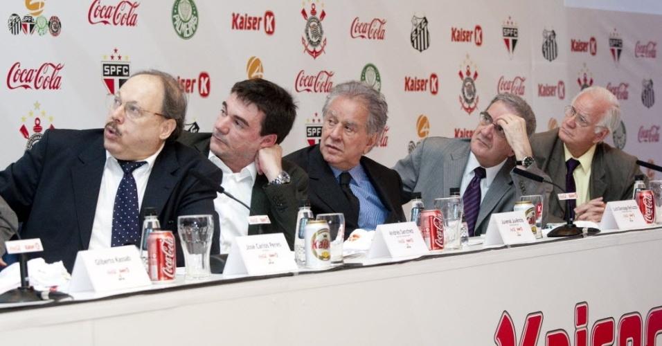 Andrés Sanchez, Juvenal Juvêncio e Luiz Gonzaga Belluzzo participam de encontro do G-4