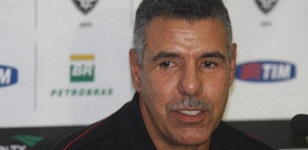 Toninho Cerezo, técnico do Vitória