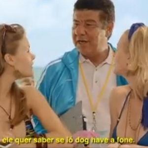 Joel Santana vira tradutor de cantadas em comercial de refrigerante