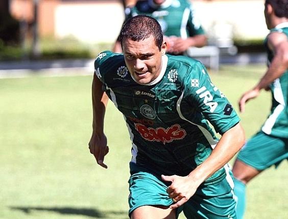 Atacante Marcel, em treinamento no Coritiba