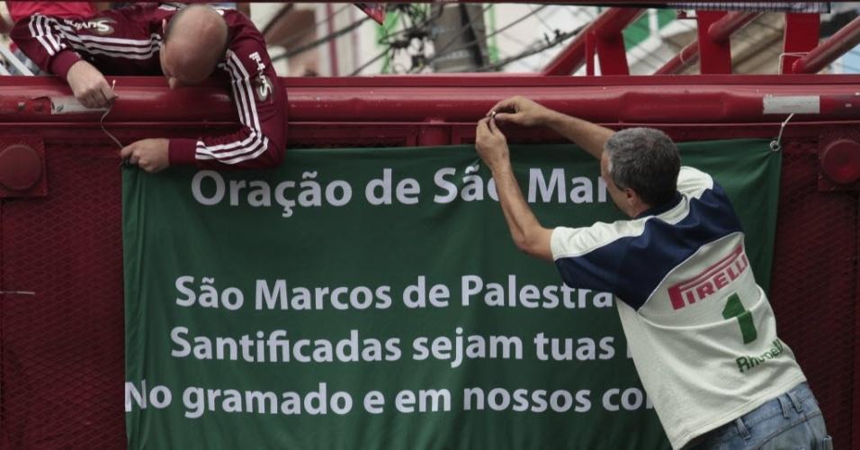 Torcedores do Palmeiras inovam em homenagem ao ídolo Marcos