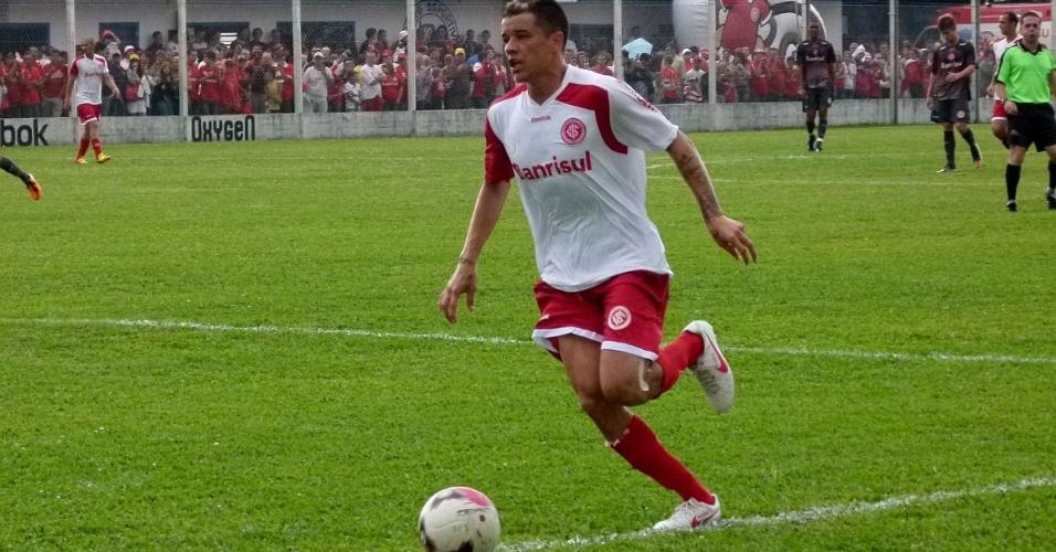 D'Alessandro marcou um dos gols do Inter em jogo-treino contra time sub-23 (15/01/12)