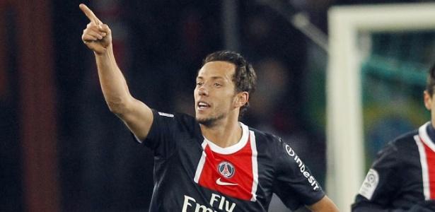 Na época em que jogava no PSG, Nenê teve a chance de se naturalizar francês