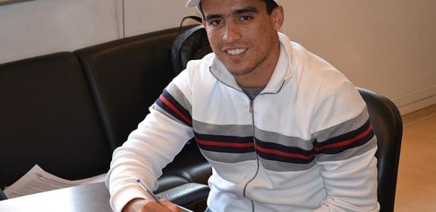 Jadson assina contrato com o São Paulo