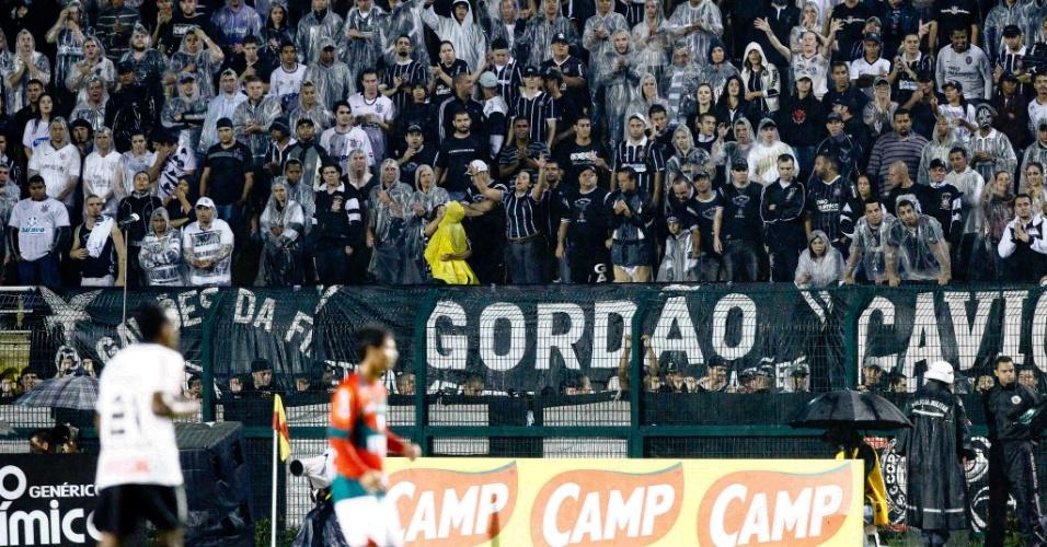 Torcida do Corinthians durante amistoso contra a Portuguesa, estreia no Pacaembu em 2012
