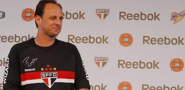 6fe8441cd6 São Paulo supera o Corinthians e terá 2º maior patrocínio de fornecimento  esportivo do Brasil