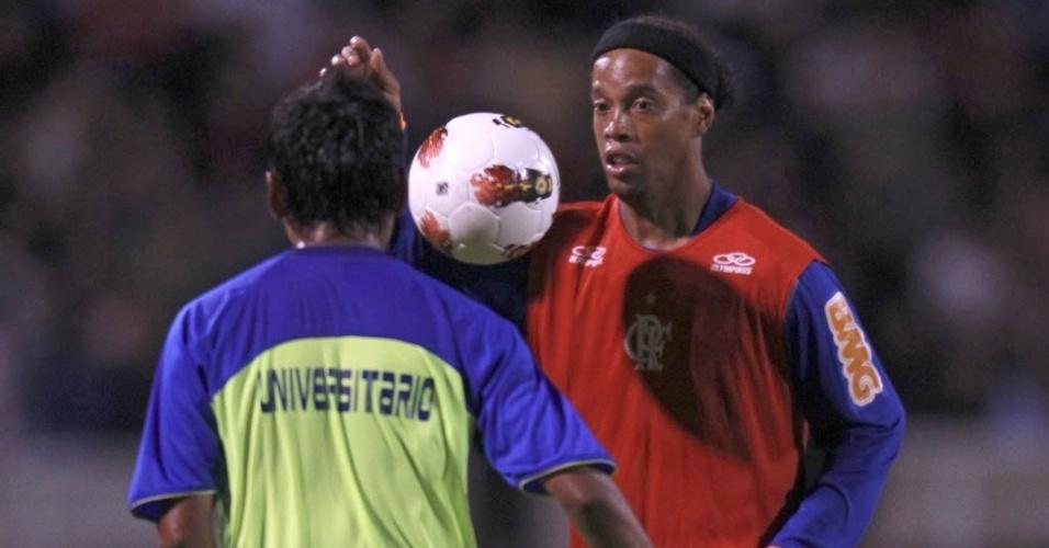 Ronaldinho Gaúcho atua em jogo-treino do Flamengo contra o Universitario-BOL