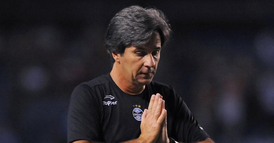 Técnico Caio Júnior do Grêmio na partida de estreia contra o Lajeadense no estádio Olímpico (21/01/2012)