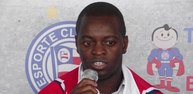 Atacante Zé Roberto é apresentado como novo reforço do Bahia no Fazendão (23/01/2012)