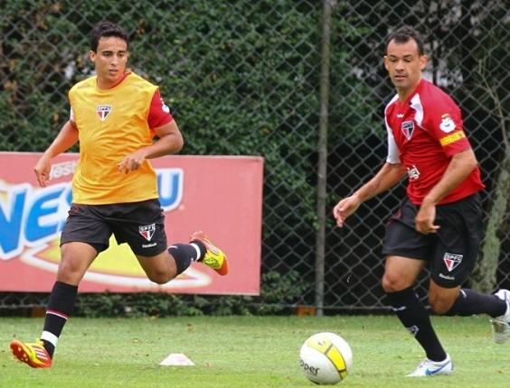 Jadson fez o primeiro treino com bola pelo São Paulo (23/01/2012)