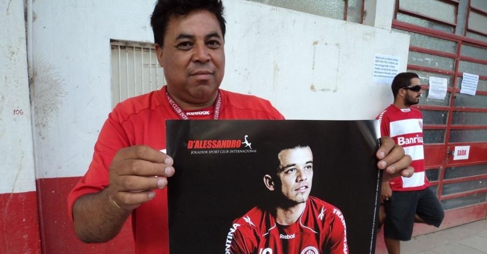 Vendedor aproveita possível saída de D'Alessandro para vender pôster do jogador (25/01/2012)