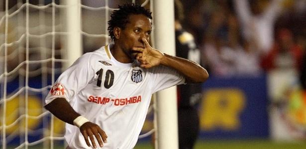 Santos fez proposta para fechar com o meia Zé Roberto até o final desta temporada - Daniel Kfouri/France Presse