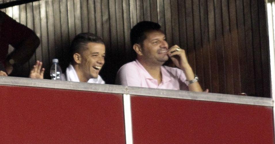 D'Alessandro assistiu jogo do time de reservas do Inter, no Gauchão, neste sábado (28/01/12)