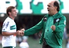 Entre dois nomes para novo técnico, Coritiba colocará salário na balança