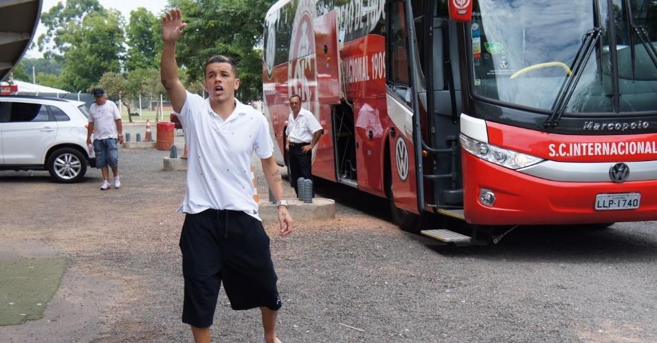 D'Alessandro não embarcou com a delegação do Inter para o Gre-Nal 390 (04/02/12)