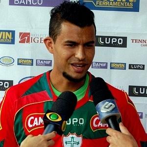 Ricardo Jesus concede primeira entrevista coletiva com a camisa da Portuguesa (06/02/2012)