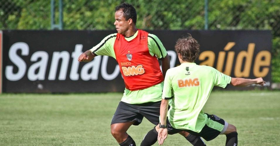 Mancini durante treino do Atlético-MG na Cidade do Galo (17/1/2012)