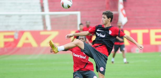 Caso Oscar sofreu uma reviravolta e jogador atuará neste domingo contra o Grêmio