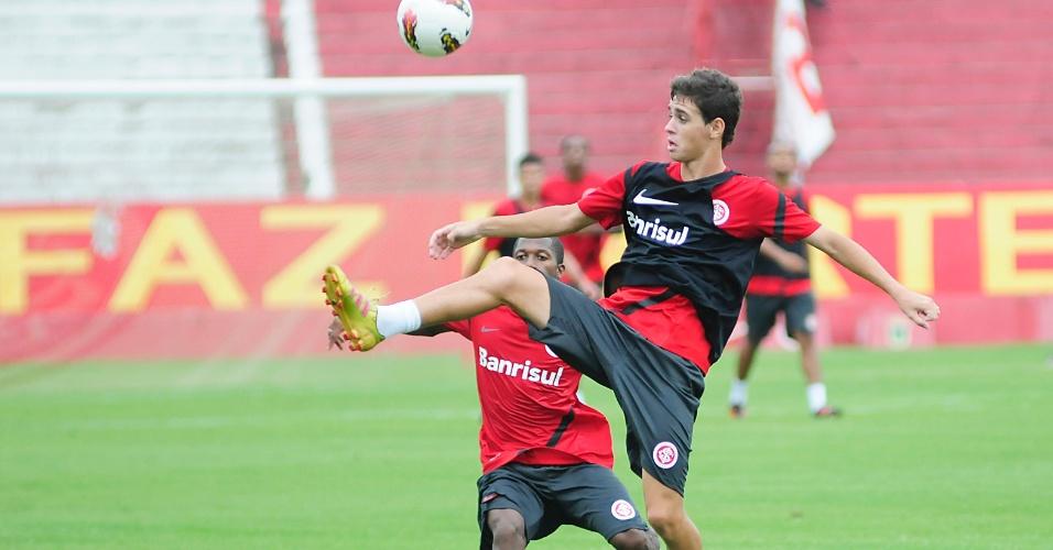 Oscar no treino do Internacional no estádio Beira-Rio nesta terça-feira (07/02/2012)