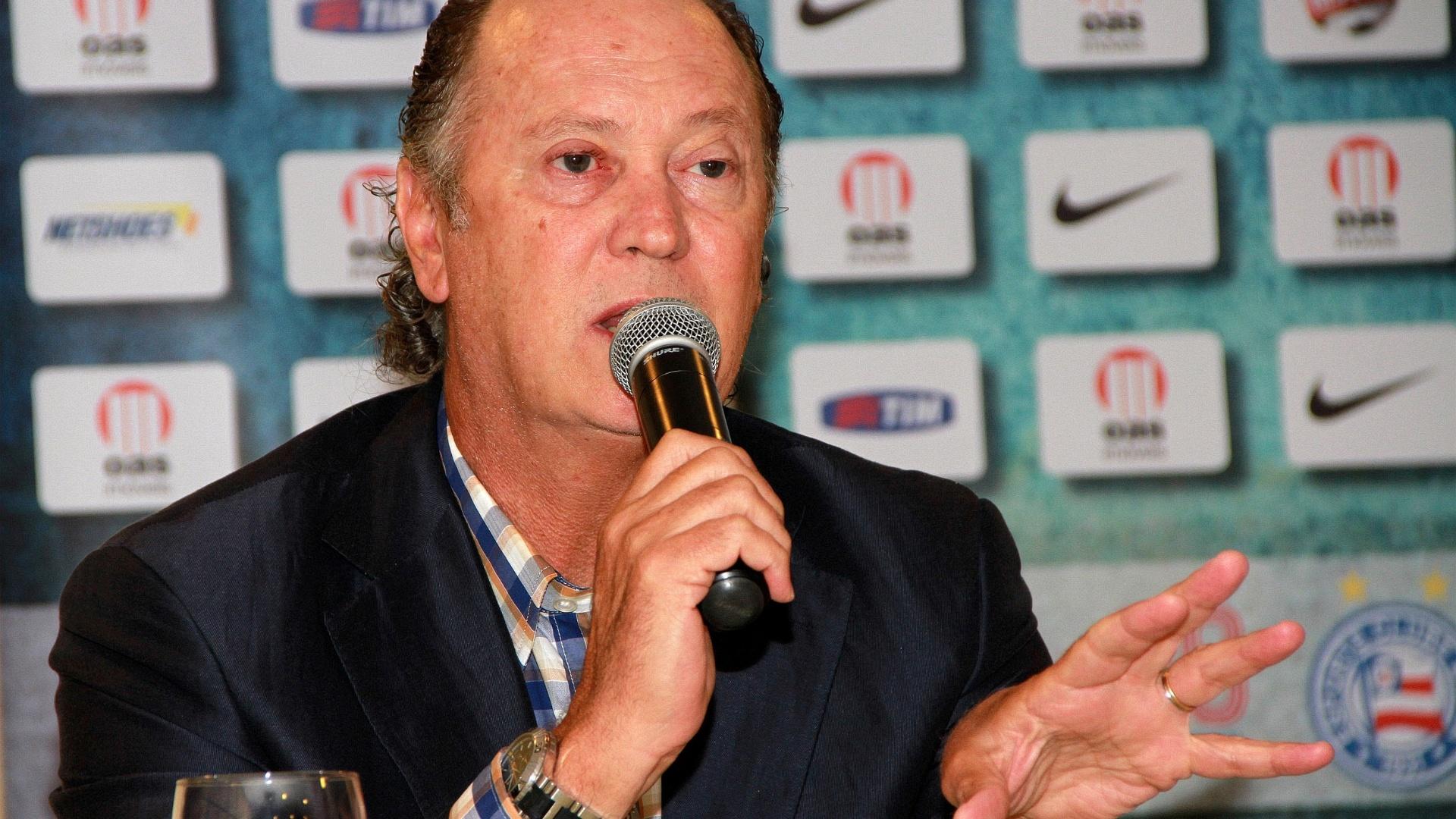 Falcão conversa com a imprensa em sua primeira entrevista coletiva como técnico do Bahia (07/02/2012)