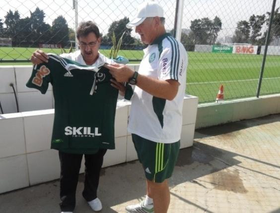 O apresentador Ratinho, do SBT, visitou a Academia de Futebol do Palmeiras e conversou com Felipão